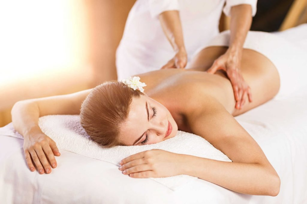 Deep Tissue Massage – Why Are Body Builders Embracing This Technique?